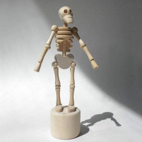 Esqueleto Lazy Bones